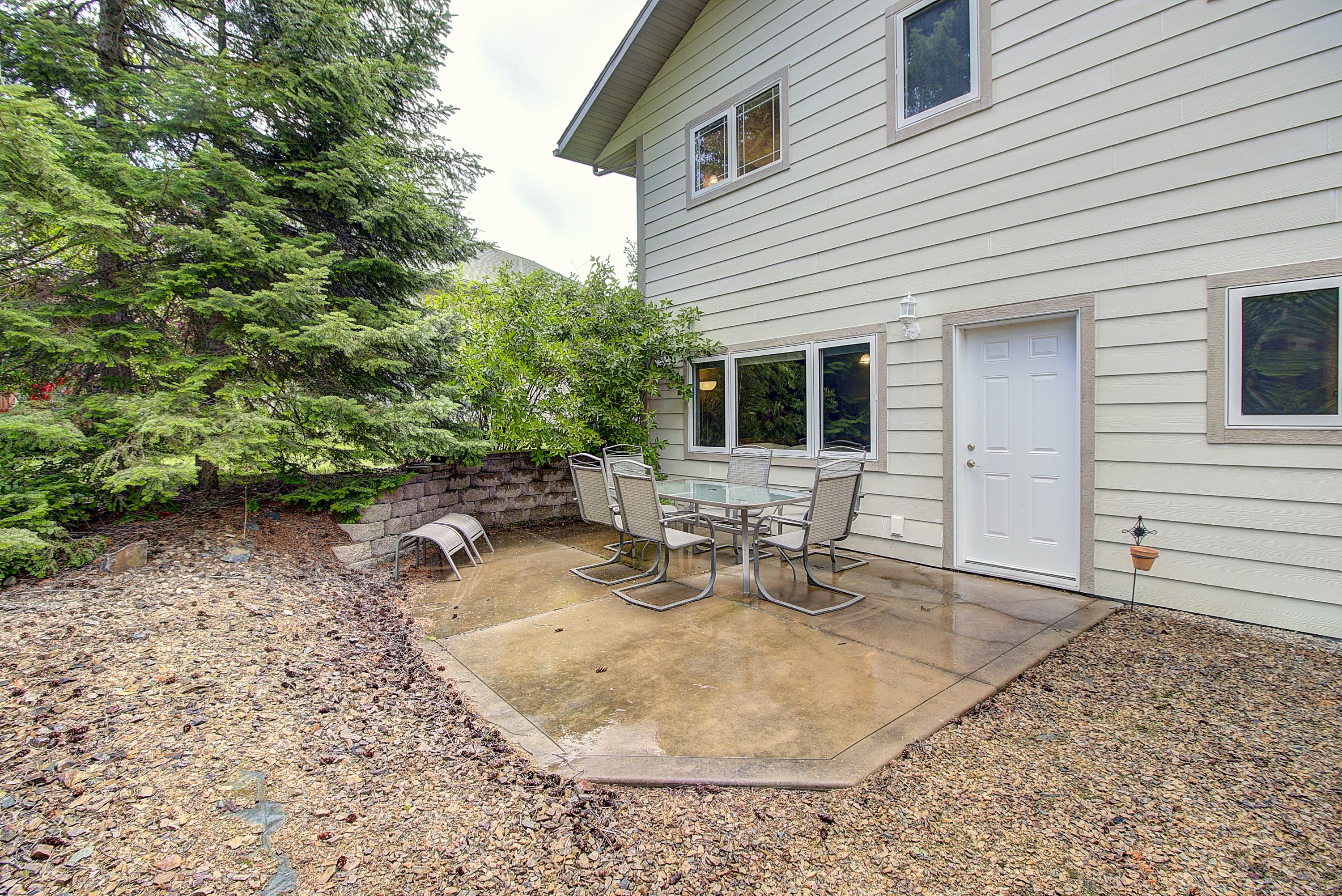 2nd Patio, Lower level