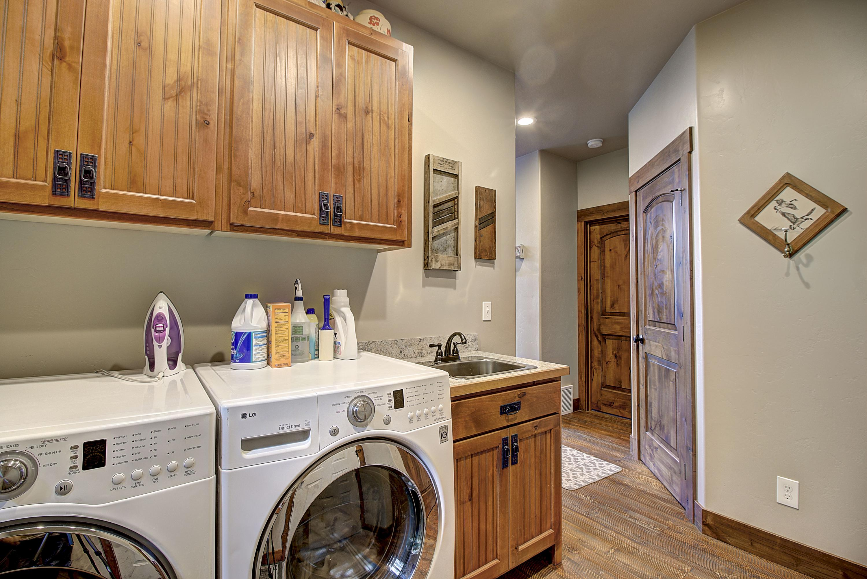 Laundry, Mud Room 2