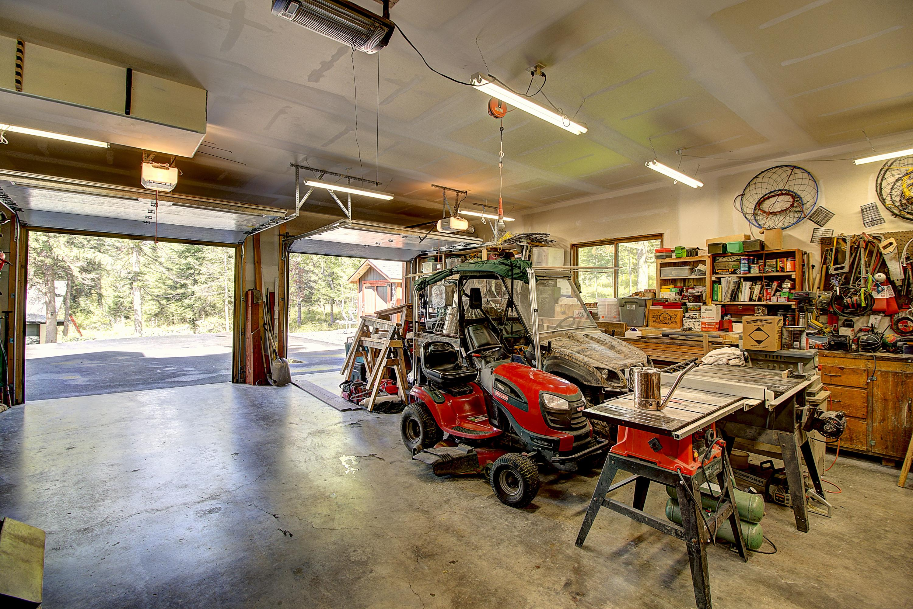 Oversized 2-car Heated Garage