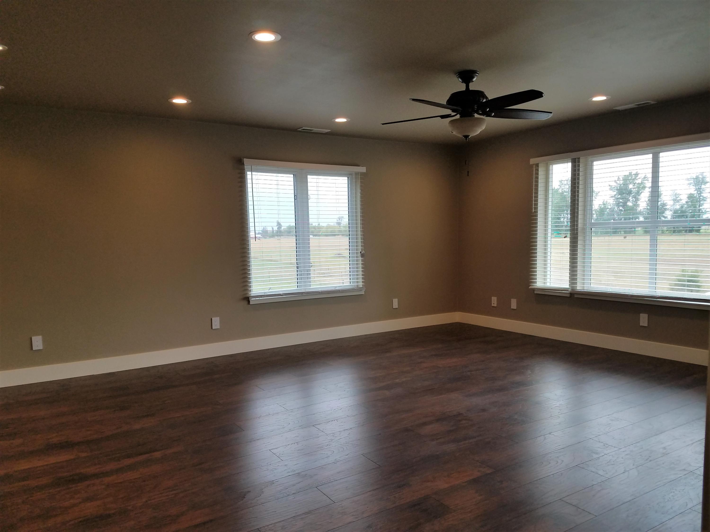 Big room upstairs 2