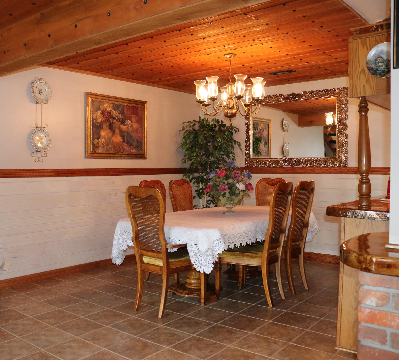 017 Dining room 1