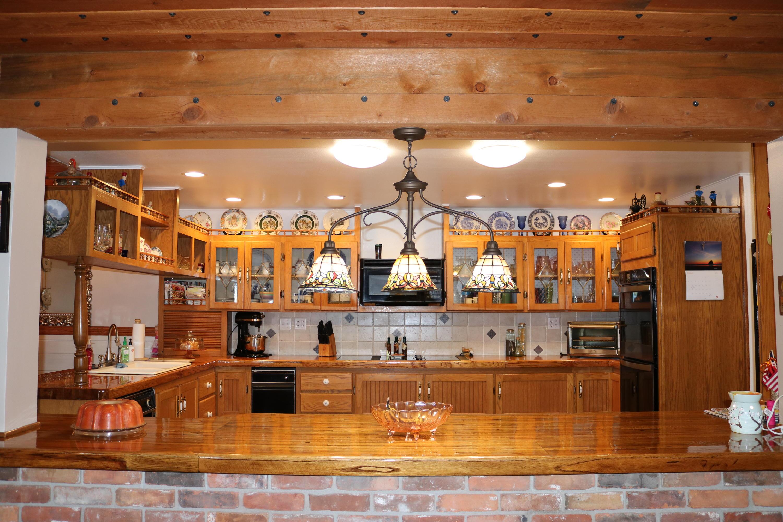 022 Kitchen 3