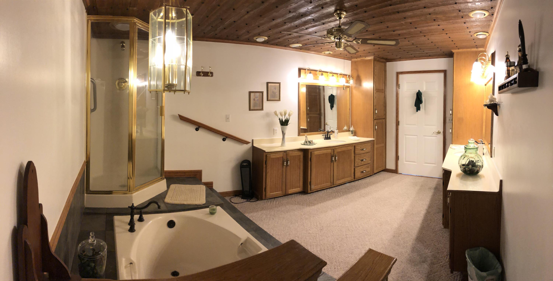 035 Bathroom 2