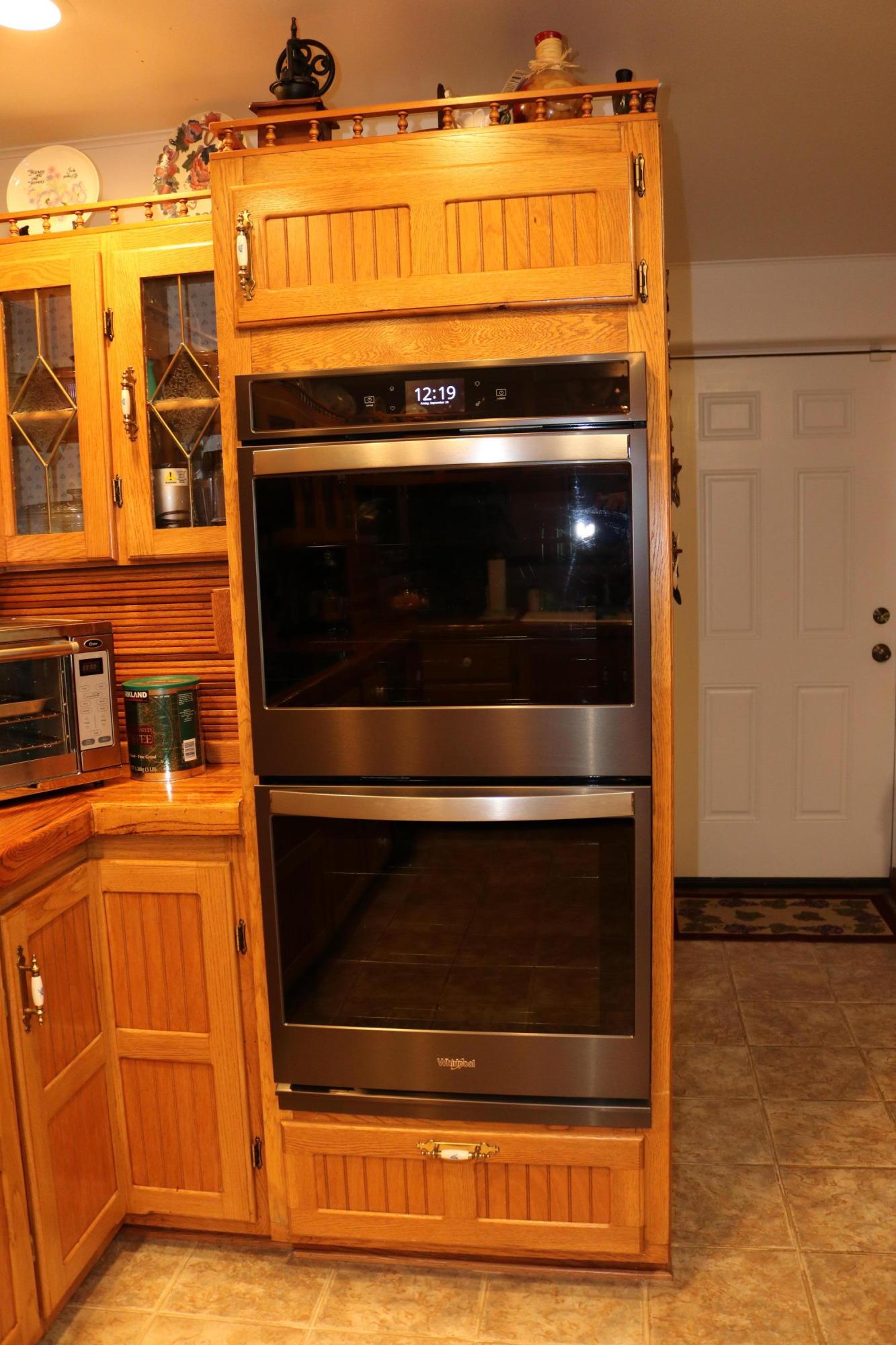 027 Kitchen 8