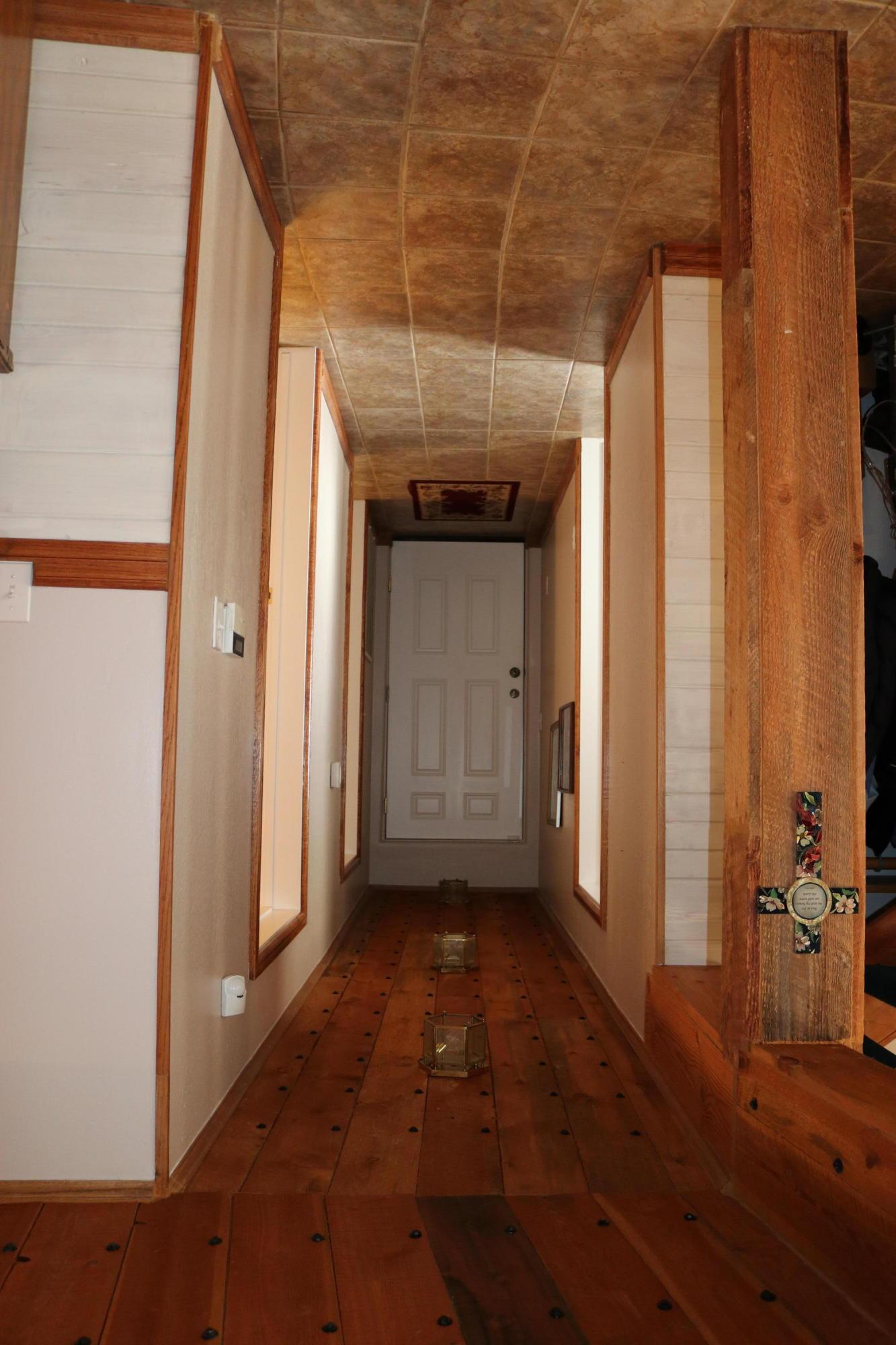 032 Hallway 1