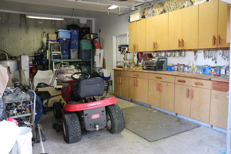 063 Garage 2