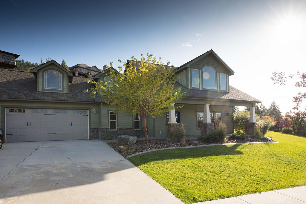 Real-Estate Photos - 1 409 Rainier