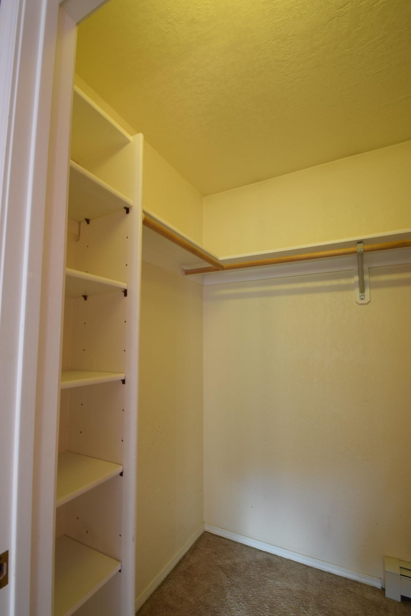 3rd bedrm closet