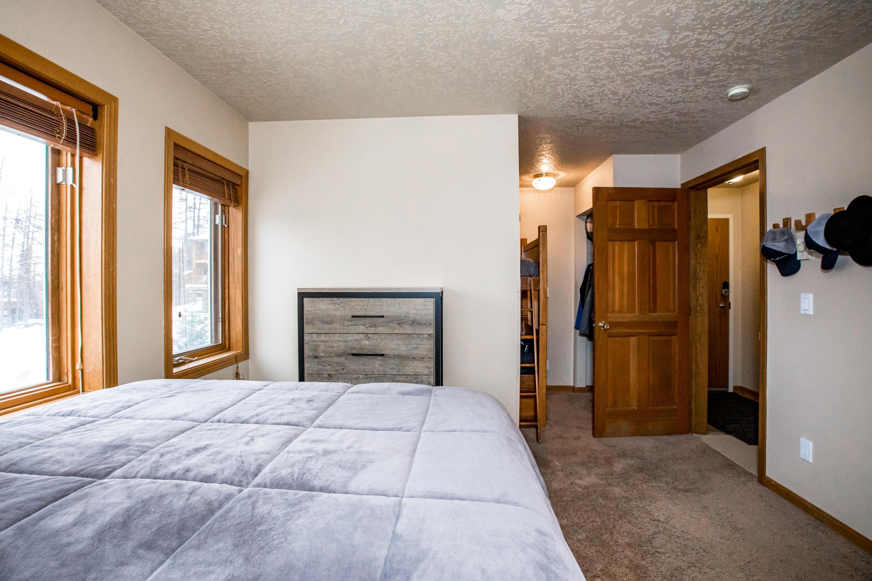 Bedroom entry