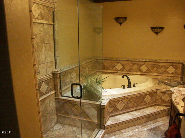Caretaker Master Bath