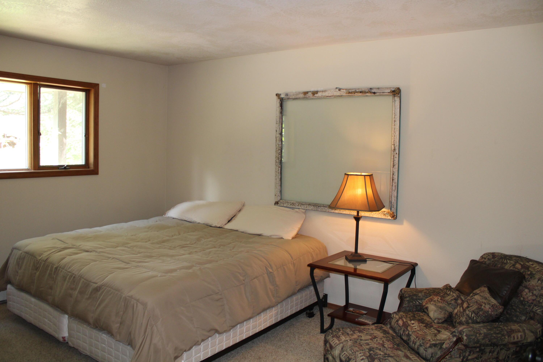 Master bedroom - 1st floor - view 1