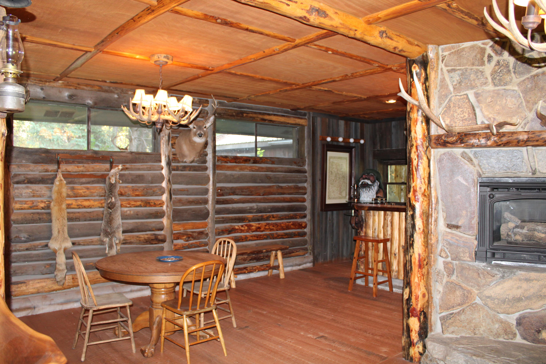 Trapper's Cabin card table