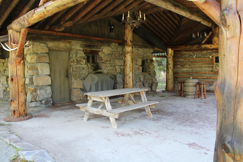 Trapper's Cabin patio