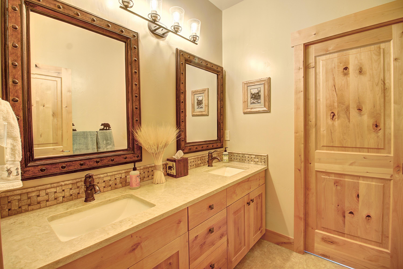 Guest Bath 1b