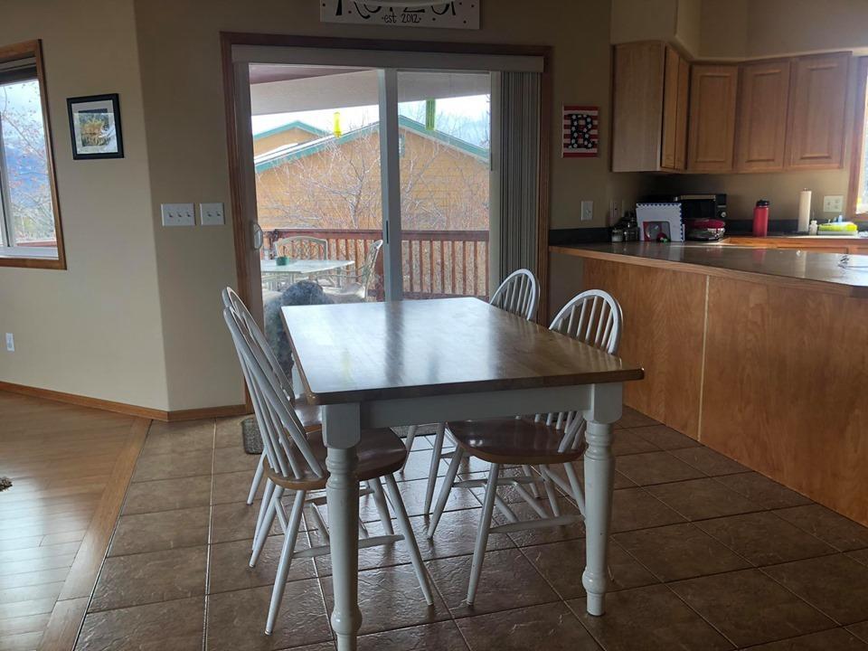 Kichen to Dining & Deck Entry