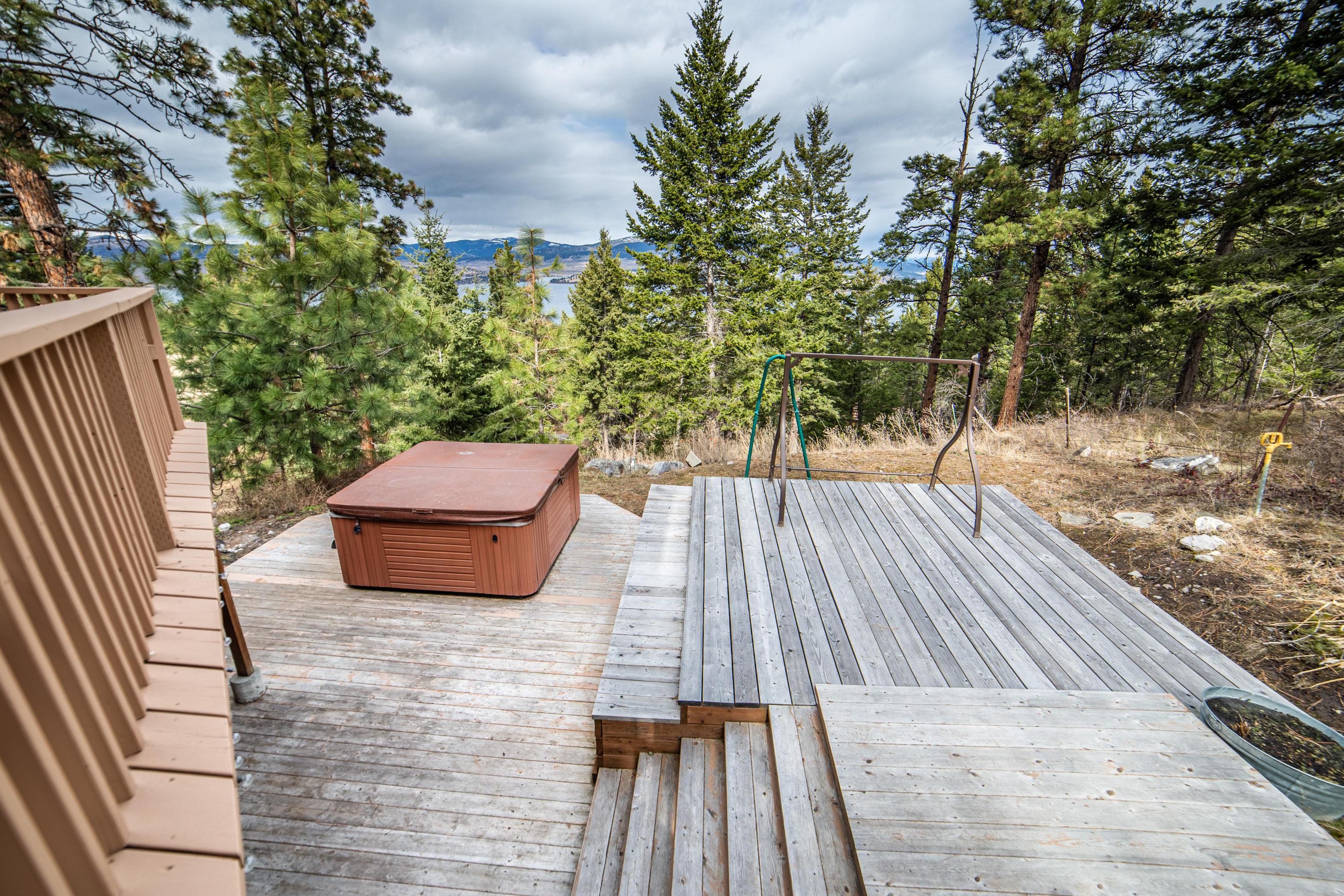 Exterior lower Deck