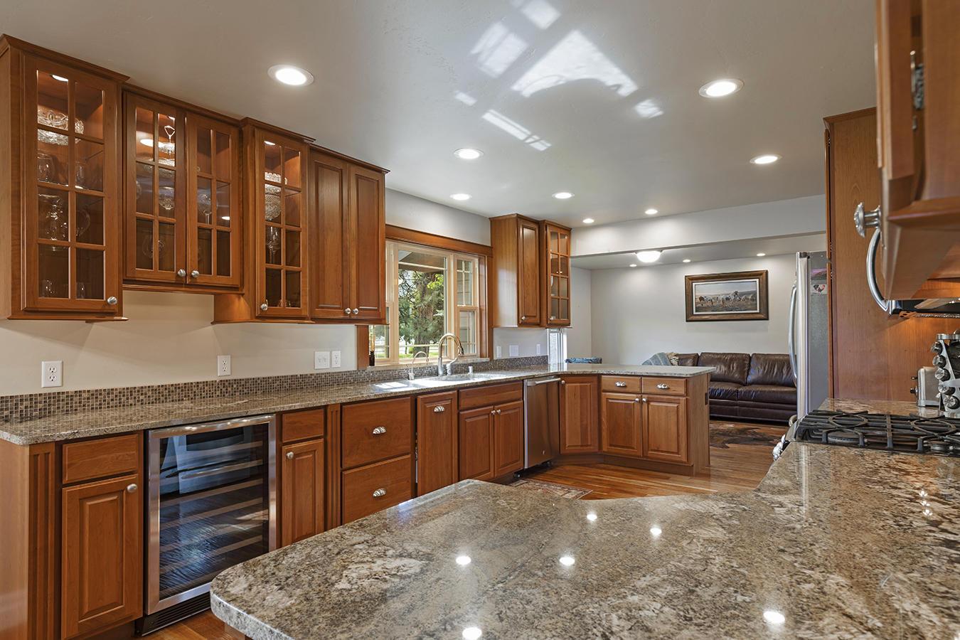 017-kitchen