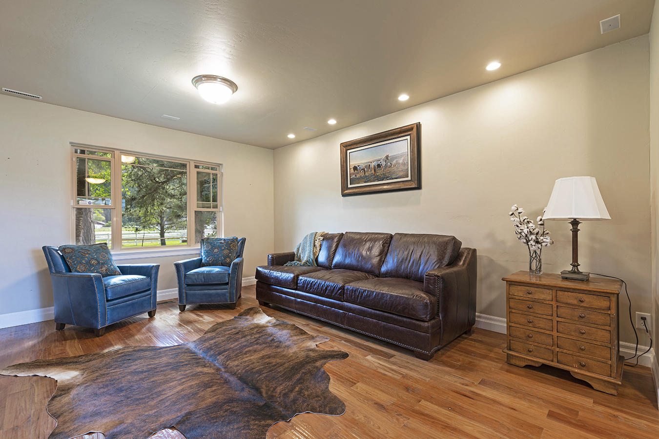 020-livingroom