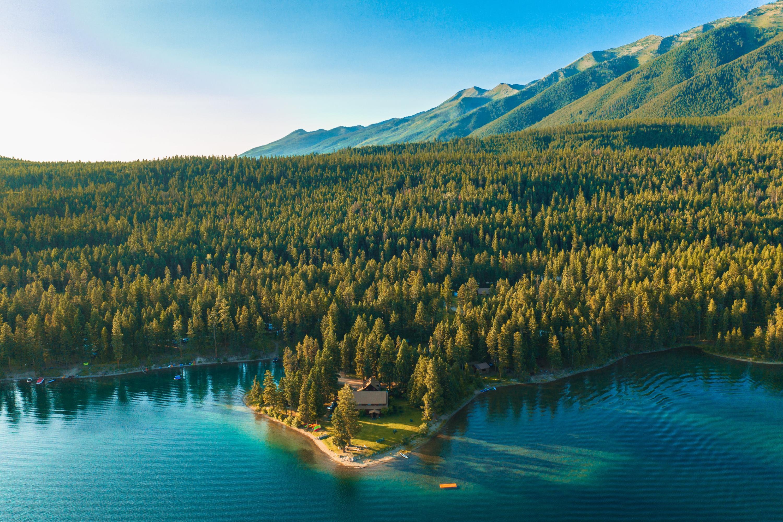 Holland Lake Lodge