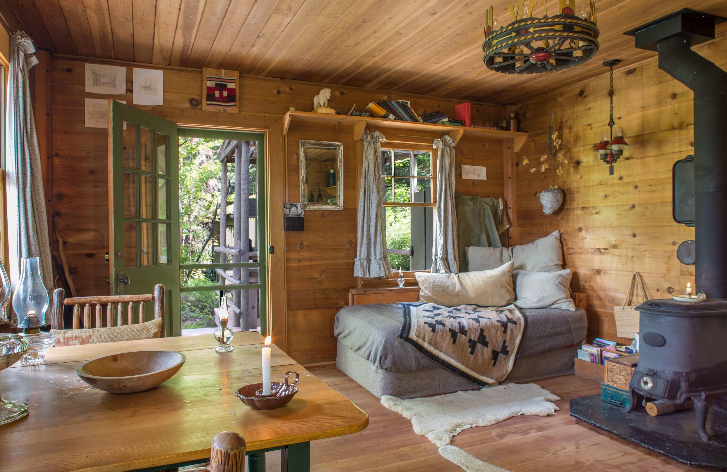 Deer Cabin Interior 2