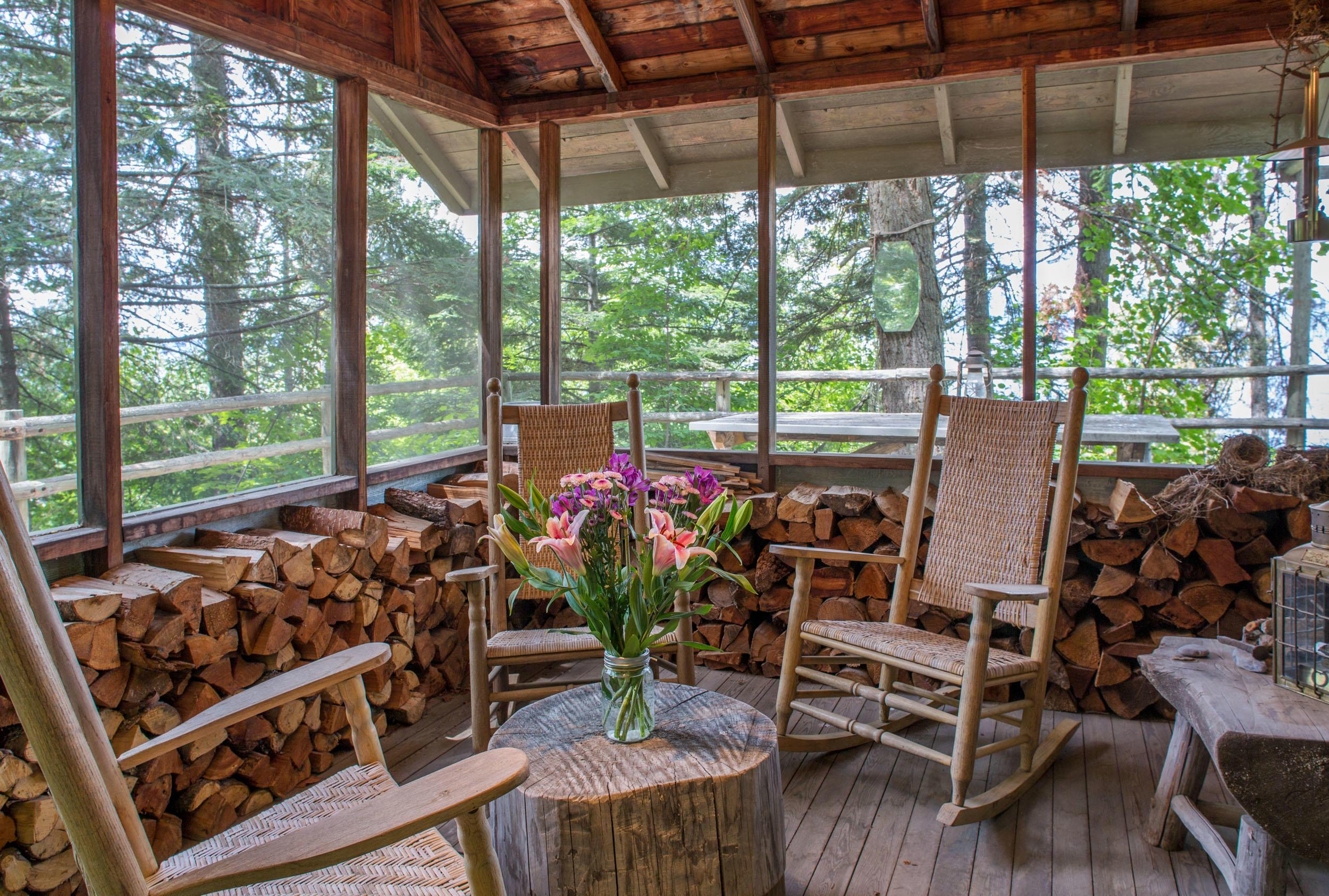 Deer Cabin Enclosed Porch