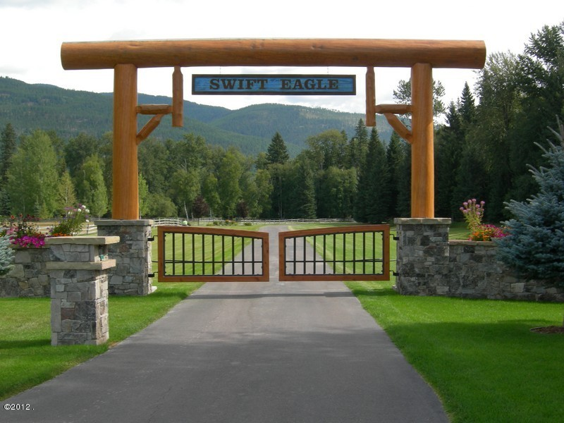 Swift Eagle Ranch Gates