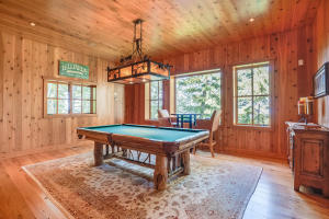 Lodge pool room