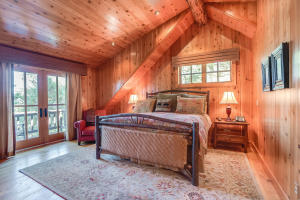 North cabin master suite 1