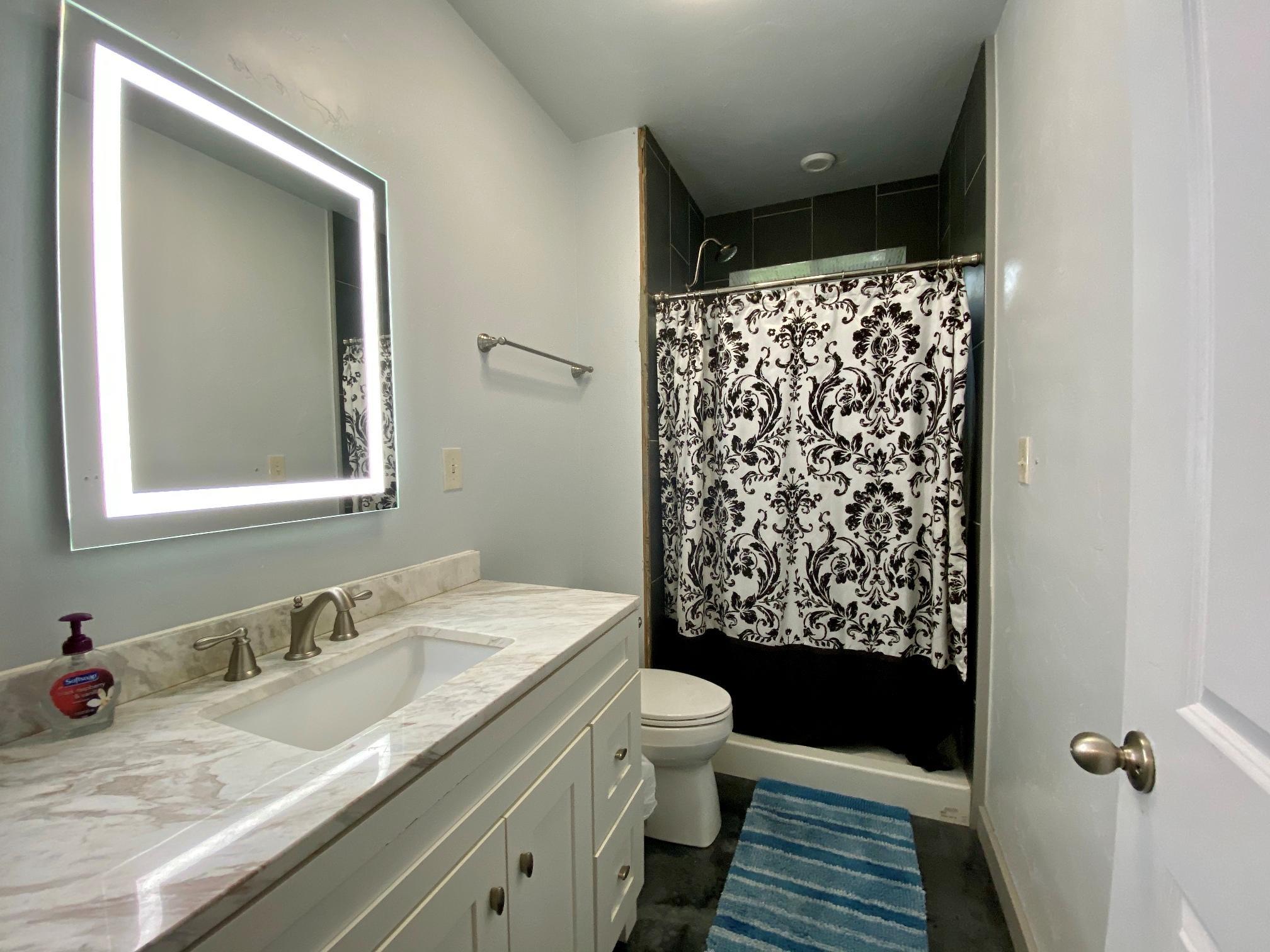 Lower Unit 3/4 Bath
