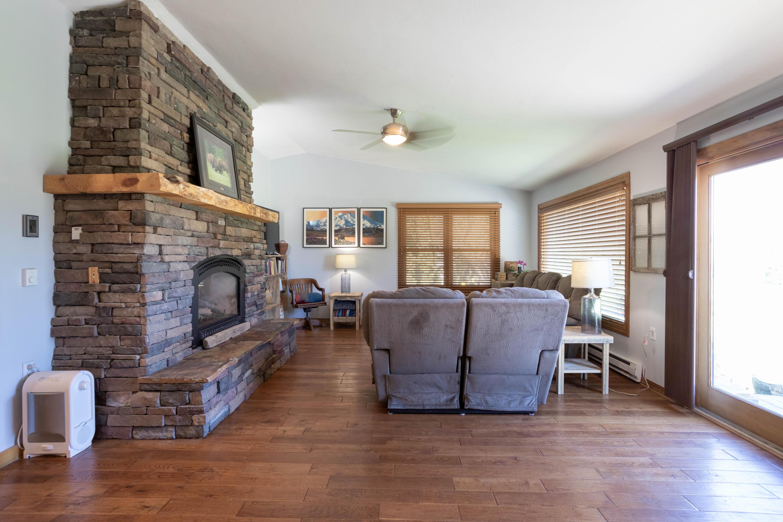 Living Room & Propane Fireplace