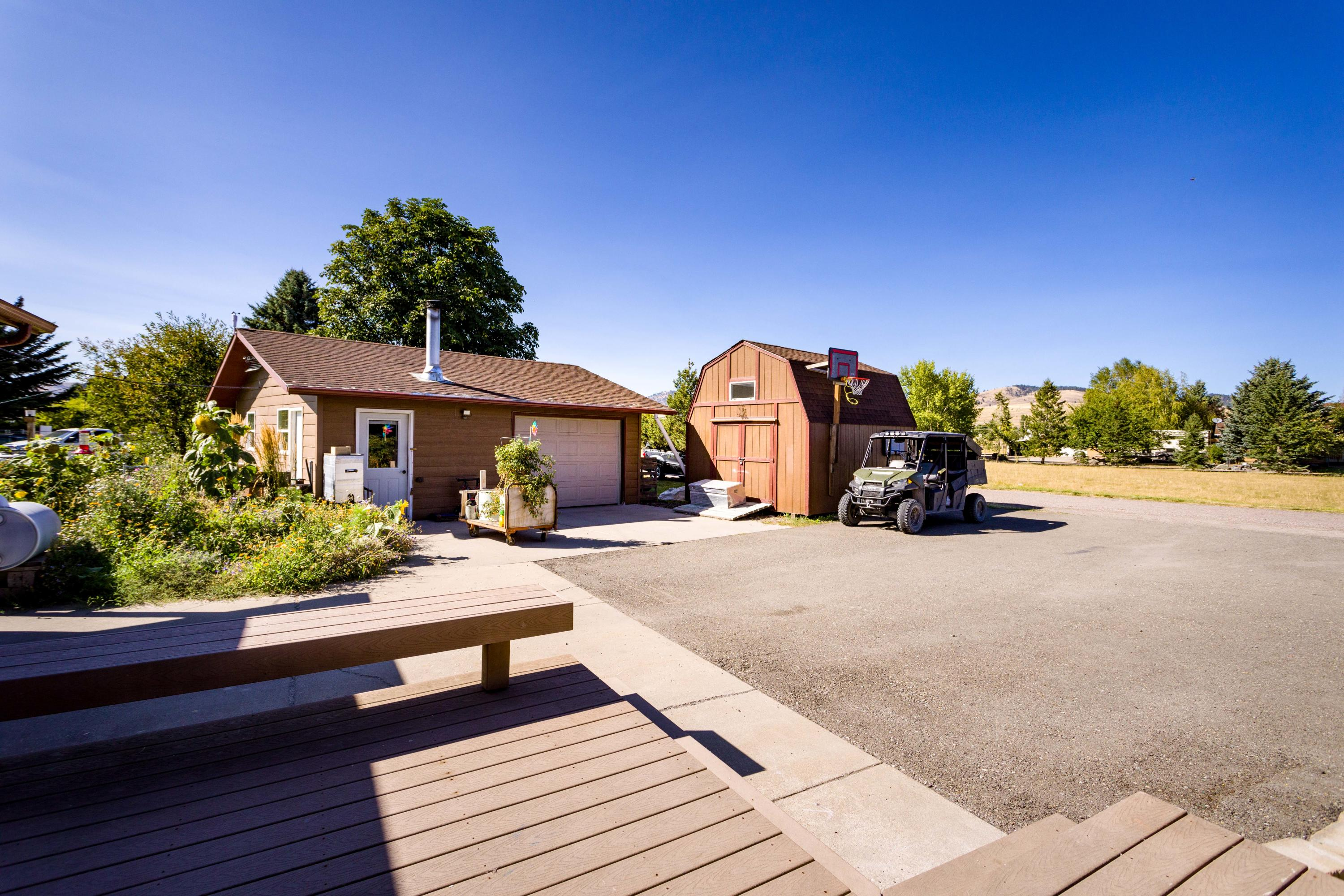 Detached Double Garage & Shed