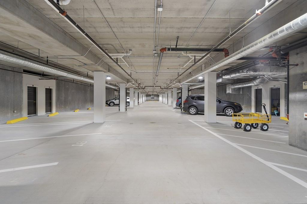 Light and bright garage with remote acce