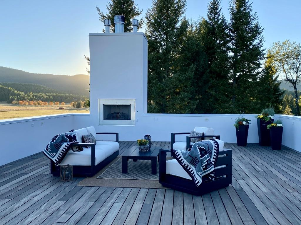 Roof top deck and fireplace