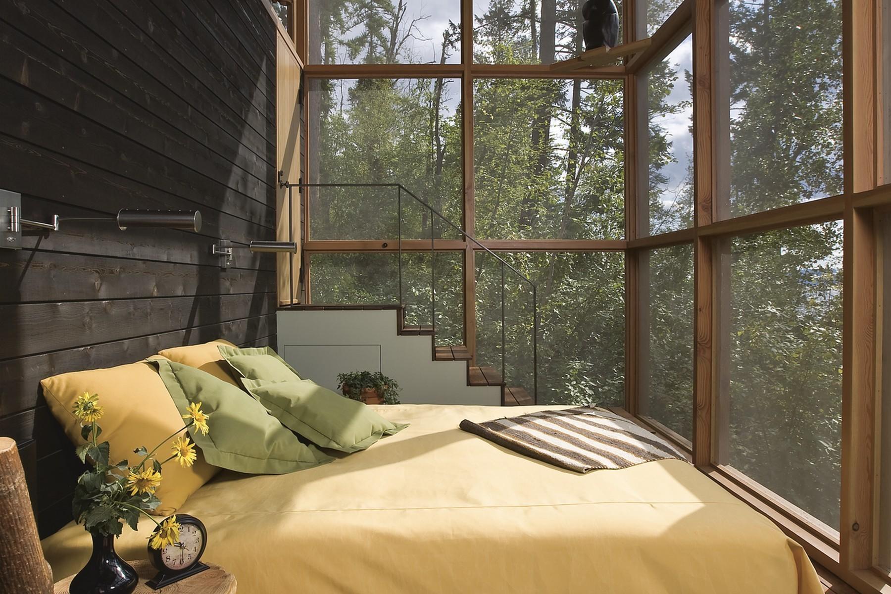 13.Main House Sunroom (1)