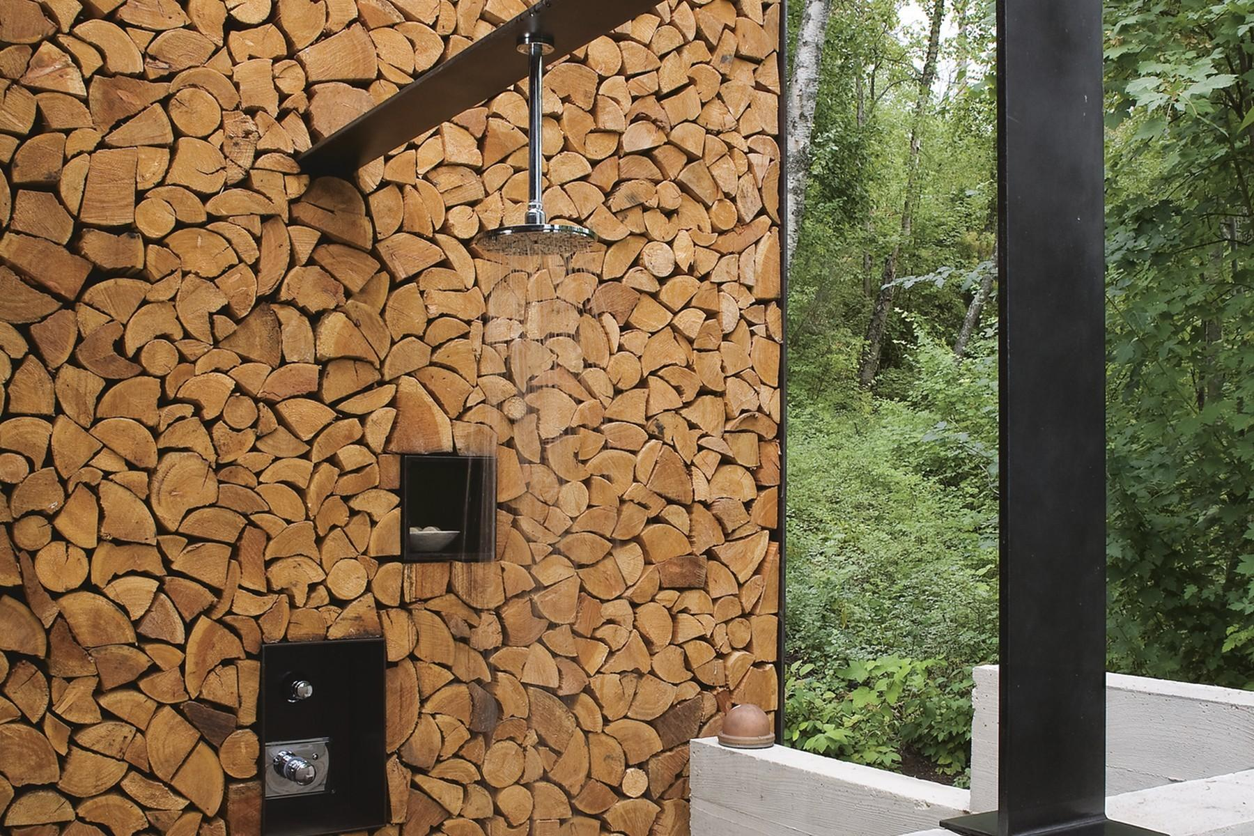 15.Main House Outdoor Shower (1)