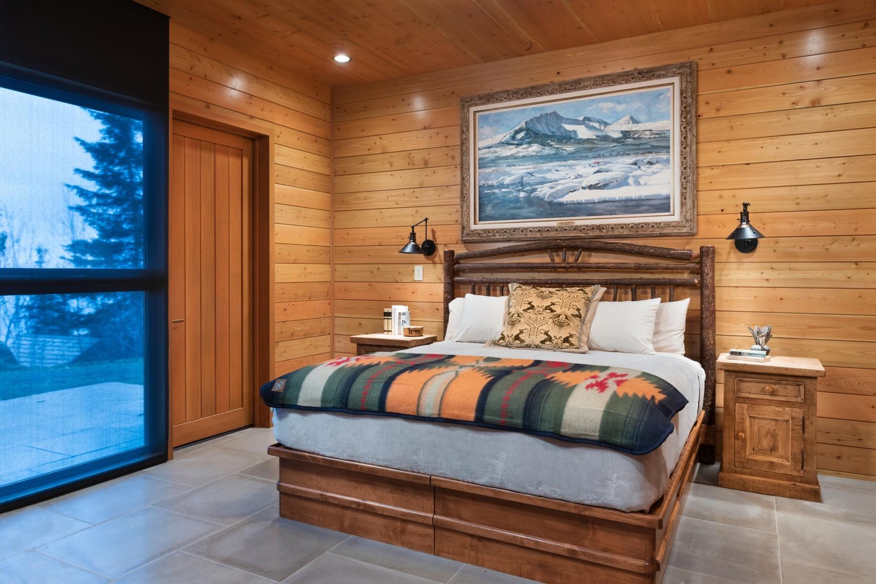 33.Lake House Bedroom 1 (1)