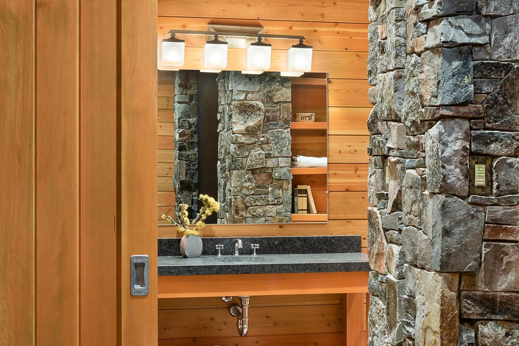 36.Lake House Bathroom 2 (1)