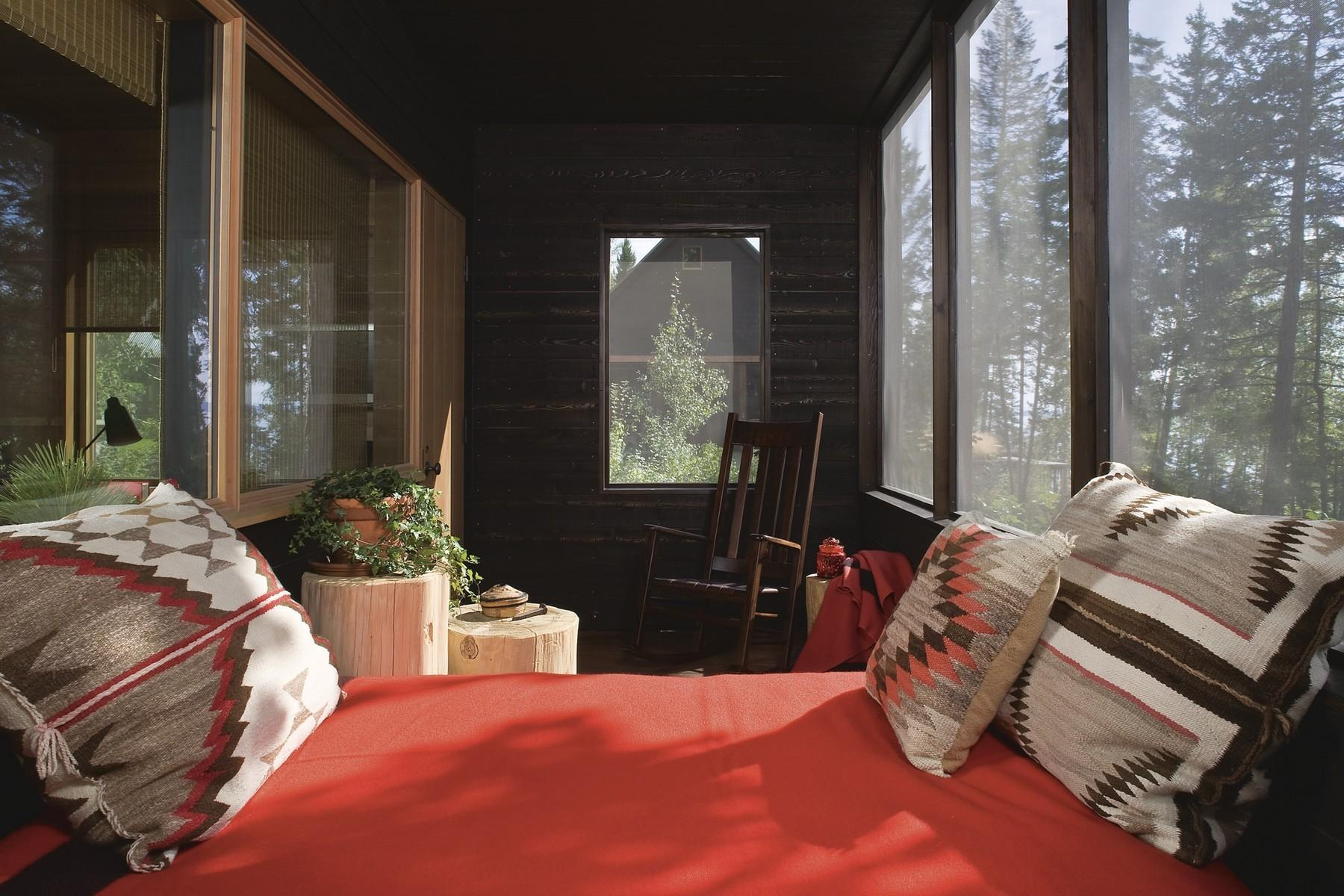 73.Guest House Sunroom 2 (1)