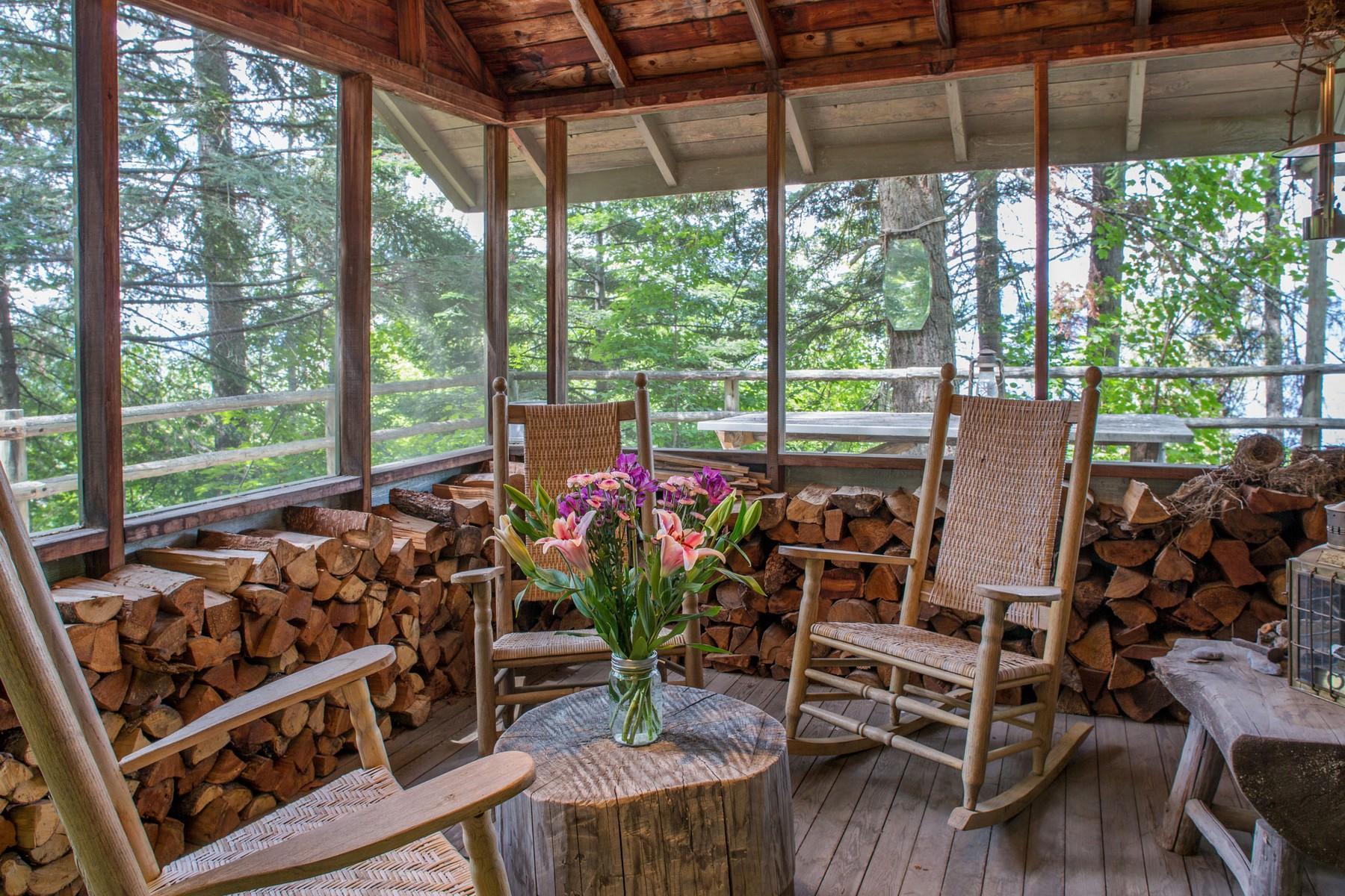 78.Deer Cabin Enclosed Porch (1)