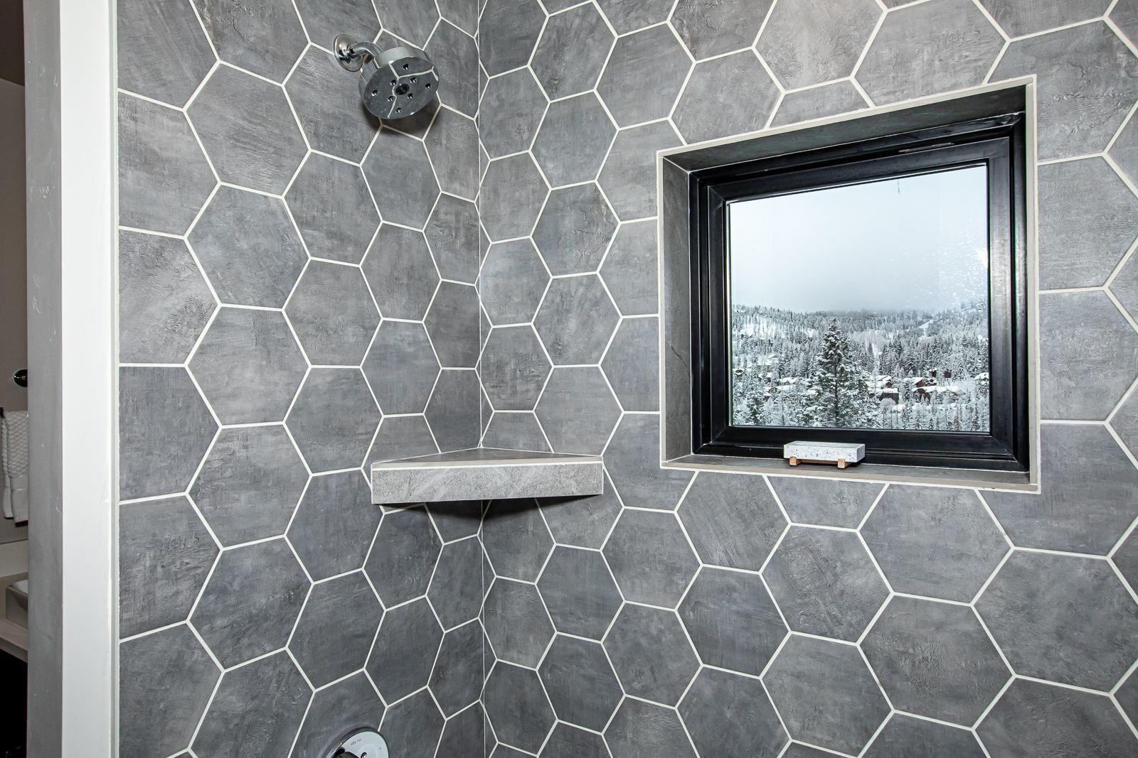 upper level bathroom 3