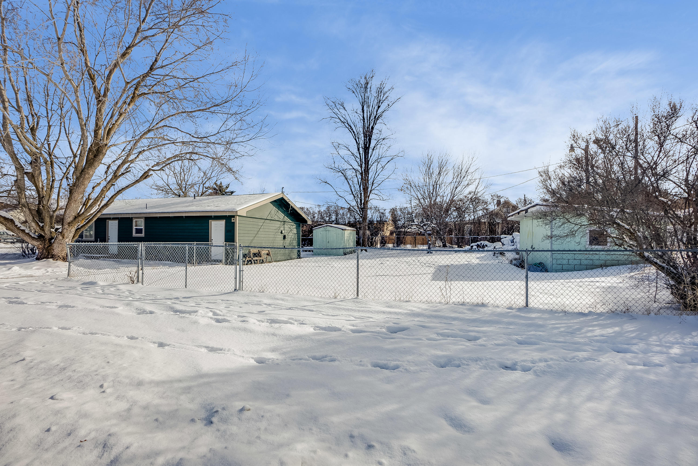 Large Fully Fenced Yard