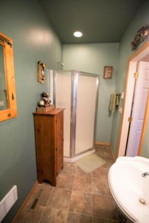 3/4 Shower in Bath off Laundry Room