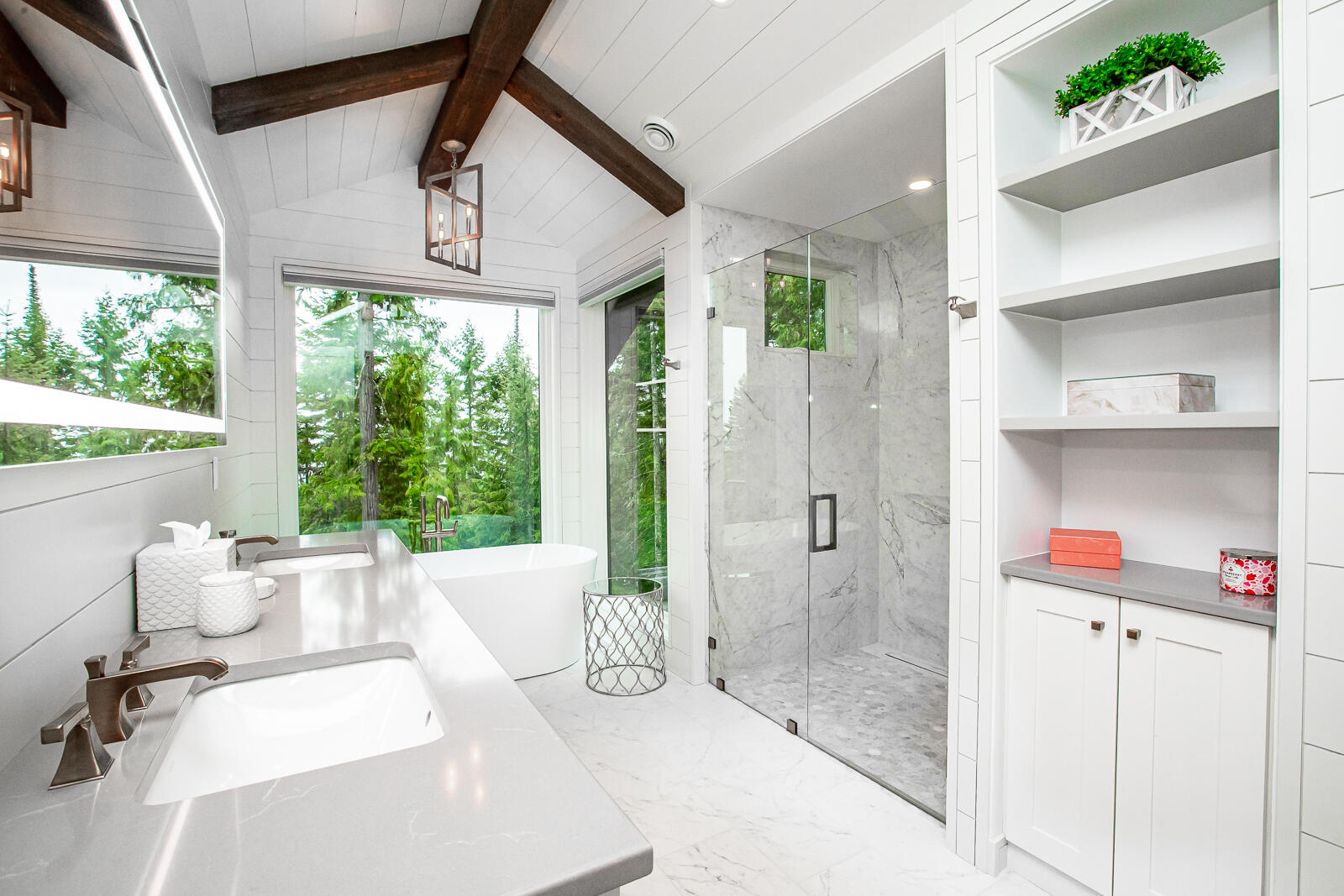 Bed 1 Bathroom