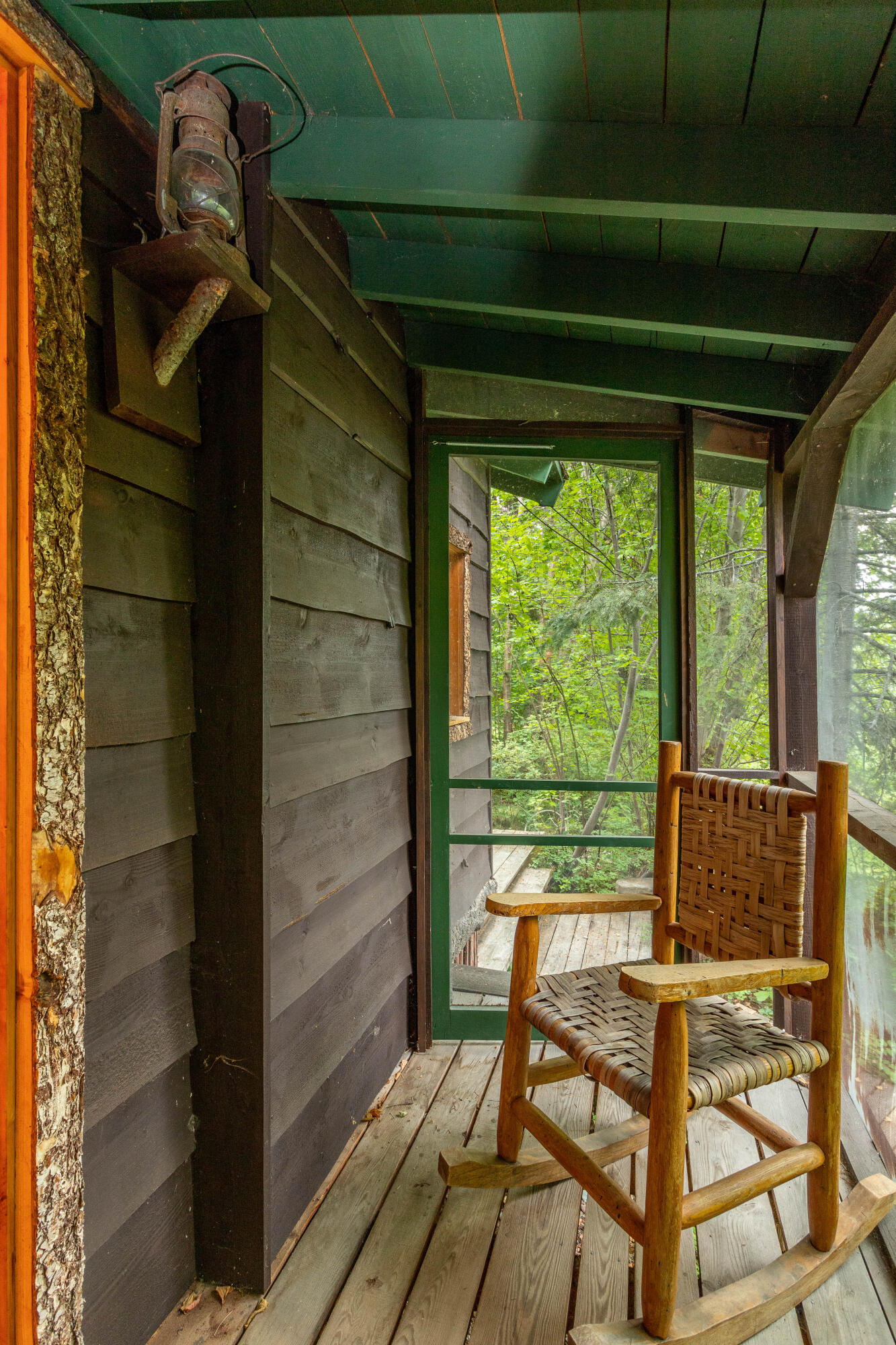 cabin 2 screened porch