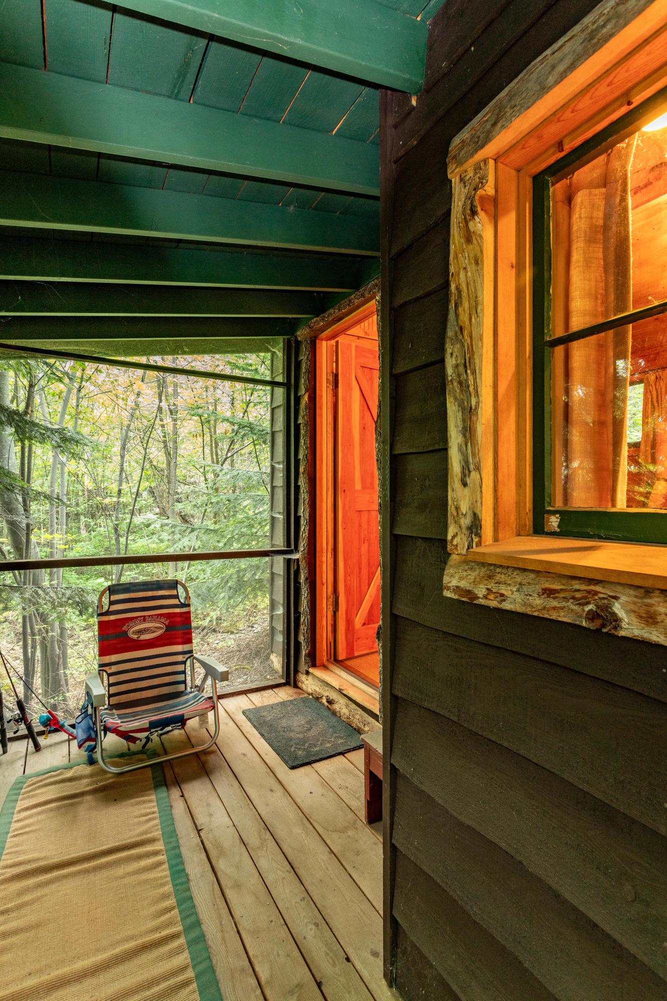 cabin 3 screened porch