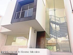 Casa En Venta En Atizapan De Zaragoza, Los Cajones, Mexico, MX RAH: 17-37