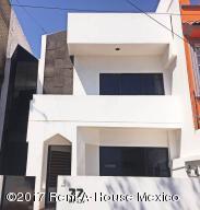 Casa En Venta En Naucalpan De Juarez, Lomas Verdes, Mexico, MX RAH: 17-42