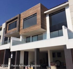 Casa En Rentaen Atizapan De Zaragoza, Lomas De Bellavista, Mexico, MX RAH: 18-5