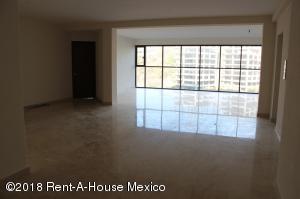 Departamento En Rentaen Huixquilucan, Lomas De Tecamachalco, Mexico, MX RAH: 18-12