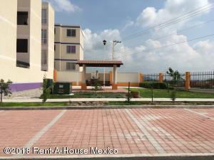 Departamento En Renta En La Estancia - Código: 18-507